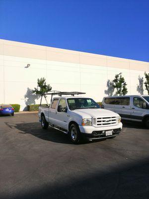Ford super duty f 250 Diesel motor 7.3 asientos de piel no rotos raja para construcción y a/c helado ..clean title for Sale in Rialto, CA