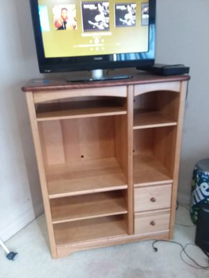 Entertainment Center solid wood (HEAVY) for Sale in Austell, GA