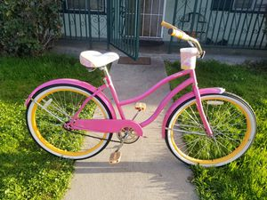 Women bike huffy size26 $75 for Sale in CRYSTAL CITY, CA