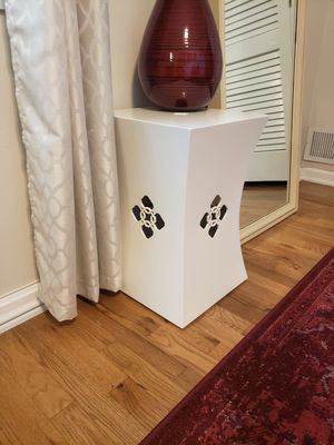 White Side Table for Sale in West Springfield, VA