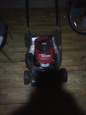 Working lawnmower for Sale in San Antonio, TX