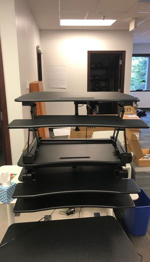 Vivo standing desk converter for Sale in Bellevue, WA