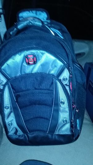 "Wenger senergy 16"" wheeled laptop backpack. for Sale in Bellaire, TX"