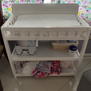White Changing Table for Sale in Fort Lauderdale, FL