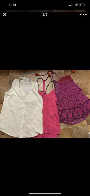 Women's small tops old navy and Calvin Klein for Sale in Gilroy, CA
