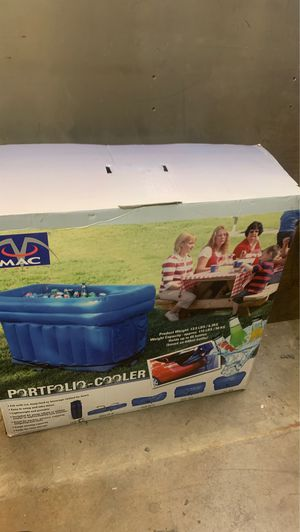 Cooler or ice chest for Sale in Fontana, CA