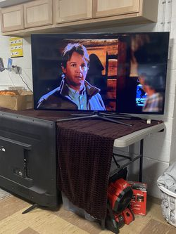 Samsung UN50F6400 - 50 inch 1080p 120Hz 3D Smart Wifi LED HDTV for Sale in Cleveland,  OH