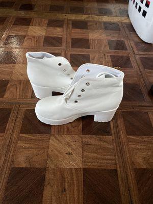 Women boots for Sale in Detroit, MI
