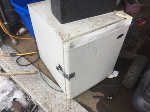 Little fridge works great for Sale in Mount Gilead, OH