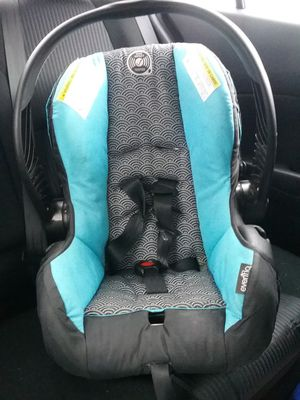 Baby car seat for Sale in Rocky Point, NC
