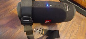 JBL EXTREME 2 LIKE NEW WITH ORIGINAL BOX CHARGER AND STRAP!! for Sale in Fontana, CA