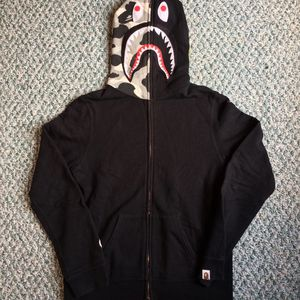 BLACK/CAMO BAPE HOODIE for Sale in Buffalo, NY
