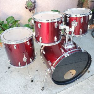 4pc Drumset 22/16/13/12 with Matching Bass Drum Hoops In RED WINE for Sale in Long Beach, CA