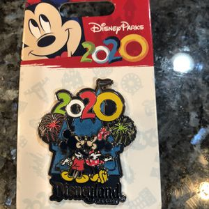 Collectible Disney 2020 Mickey Mouse & Minnie Mouse Trading Pin. Brand New On Original Card for Sale in Artesia, CA