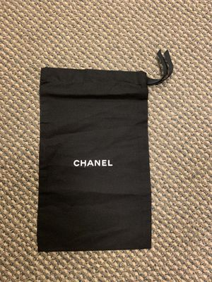 Chanel cover / Medium Bag Black Authentic - (9 in x 14.5 in) for Sale in Los Angeles, CA