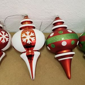 Free Large Outdoor Christmas Ornaments for Sale in St. Petersburg, FL