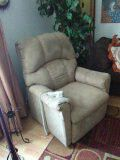 Lift chair recliner for Sale in Wichita, KS