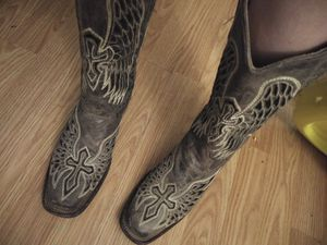 Corrall boots for Sale in San Angelo, TX