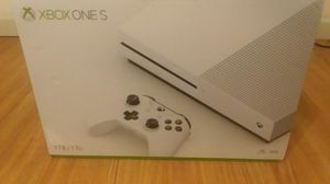 Xbox One S 1TB for Sale in Boonville, MO