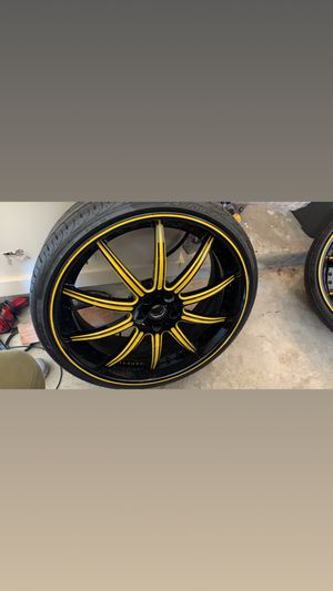 3 pcs. Staggered 22 inch Asanti 22x11 rear 22x9 front only rode on for 4 mths since new. Bolt pattern 5x114 fits a wide variety of vehicles. Missi for Sale in Cordova, TN