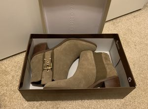 Like new Franco Sarto woman ankle/short boots size 7M for Sale in Fremont, CA