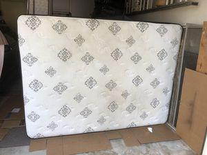 Queen size mattress for Sale in Pico Rivera, CA