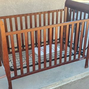 Delta Crib And Changing Table for Sale in Victorville, CA