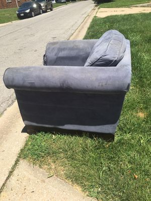 FREE CHAIR AT CURB for Sale in Independence, MO