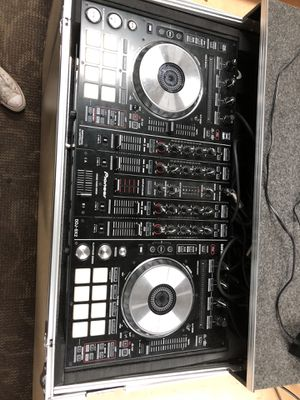 PIONEER DJ CONTROLLER W / HARD CASE & CABLES !! Negotiable!! for Sale in Baltimore, MD