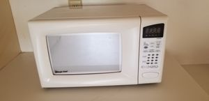 Microwave, magic chef, model MCD990W for Sale in Rockville, MD