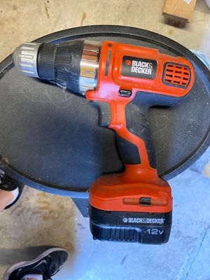 Black&decker drill for Sale in St. Petersburg, FL