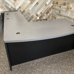 Large L Shape Desk - Good Condition for Sale in Redlands, CA