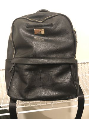Guess leather backpack for Sale in Manassas, VA