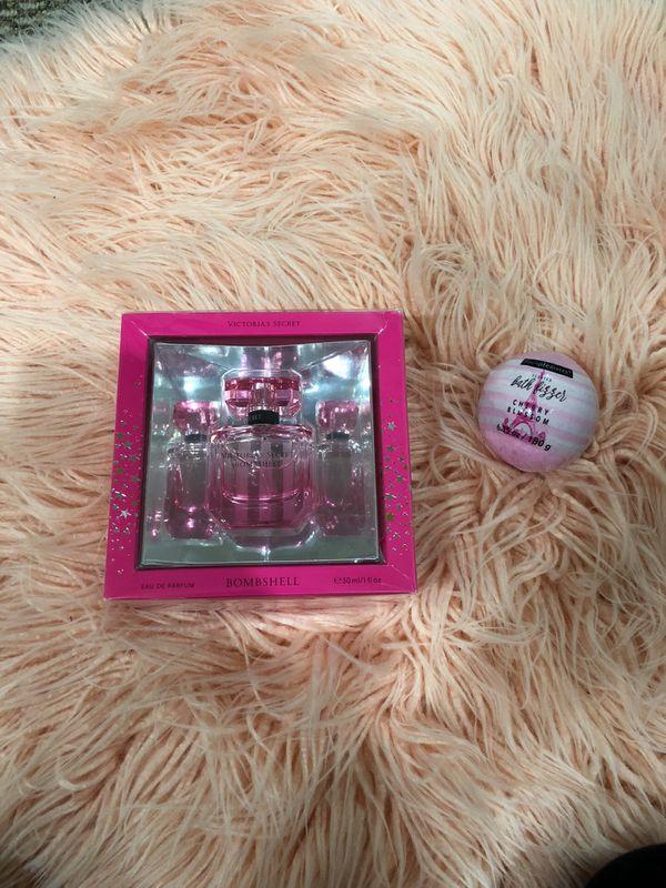 Victoria's secret bombshell perfume plus bath bomb set