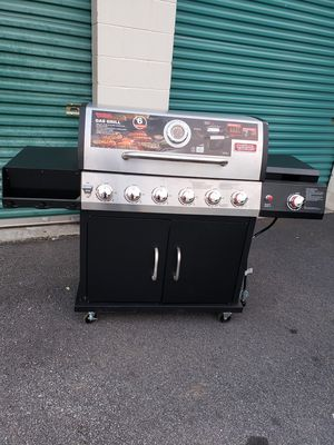 Oudoor gourmet gas grill for Sale in East Point, GA