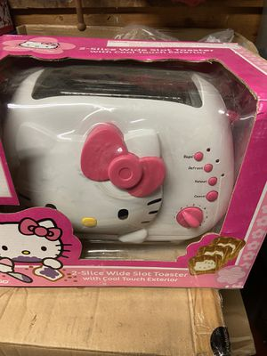 Hello kitty toaster and free lunch box for Sale in Garden Grove, CA