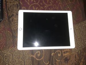 IPad rose gold 6 generation for Sale in Atlanta, GA