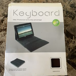 Leather Cover With Keyboard For iPad Or Tablet New! for Sale in Pompano Beach, FL