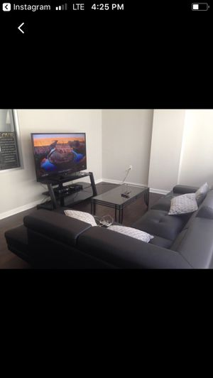 Tv stand and coffee table for Sale in Dallas, TX