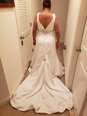 Demetrios Brand New Unaltered Wedding Dress for Sale in Willingboro, NJ