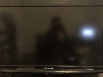 Panasonic TC-L32X1 (720p 32 Inch 60hz HD TV) No Remote for Sale in Renton,  WA