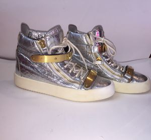 Nike Authentic Boots Silver Sneakers for Sale in Queens, NY