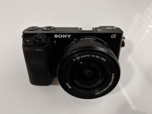 Like New Sony A6000 Mirrorless Digital Camera with 16-50mm lens for Sale in Dallas, TX