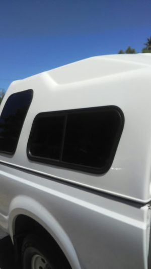 Leer Camper shell READ 👇👇 for Sale in Modesto, CA