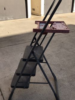 3ft Step Ladder With Tray for Sale in Huntington Beach,  CA