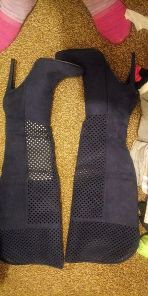 Blue thigh high boot never worn .size 9.5 for Sale in Detroit, MI