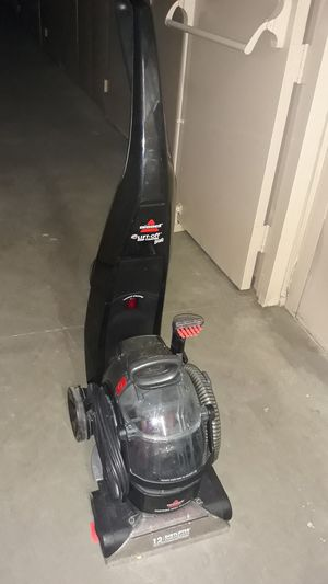 Bissell deep cleaning carpet cleaner for Sale in La Mirada, CA