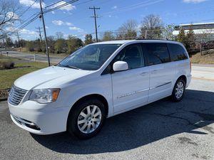 2016 Chrysler Town & Country Minivan for Sale in Newark, DE