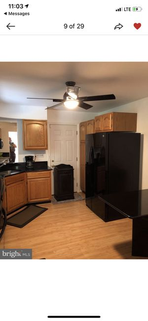 Kitchen cabinet for Sale in Silver Spring, MD