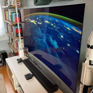 65 LG OLED TV CURVED for Sale in Baltimore, MD